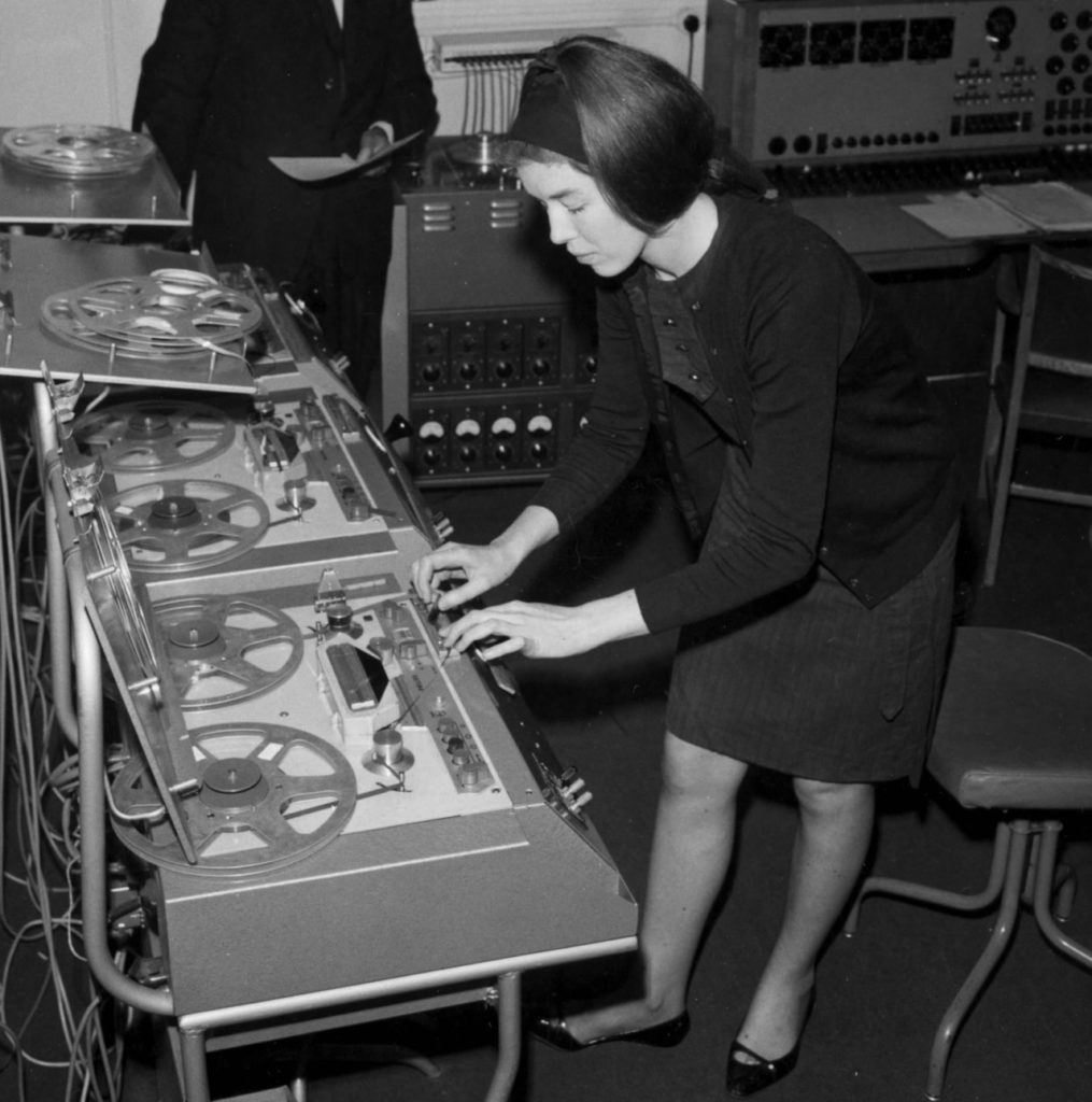 Doctor Who Composer Delia Derbyshire To Receive Hometown