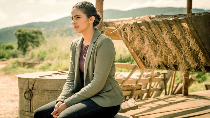 """Mandip Gill: Yaz's Mental Health """"Will Affect Her Choices"""" in Doctor Who Series 13"""